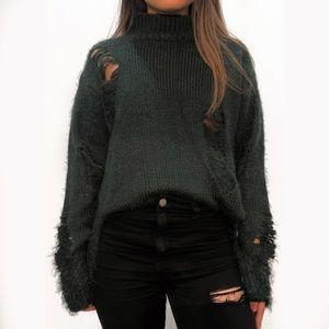 Lush Oversized Distressed Sweater - S / Dark Green